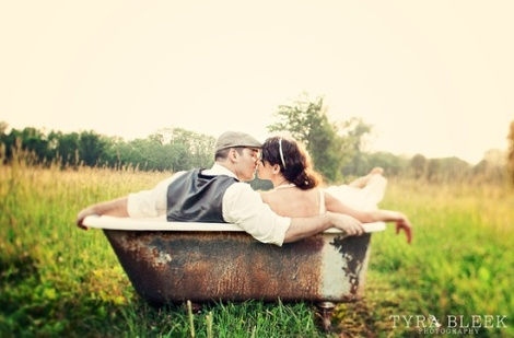 Wedding Bride Groom Vintage Tub Photo