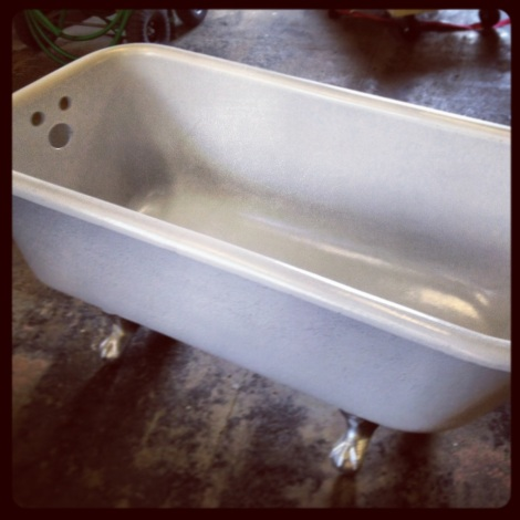 Vintage Bathtub New England Country Rentals
